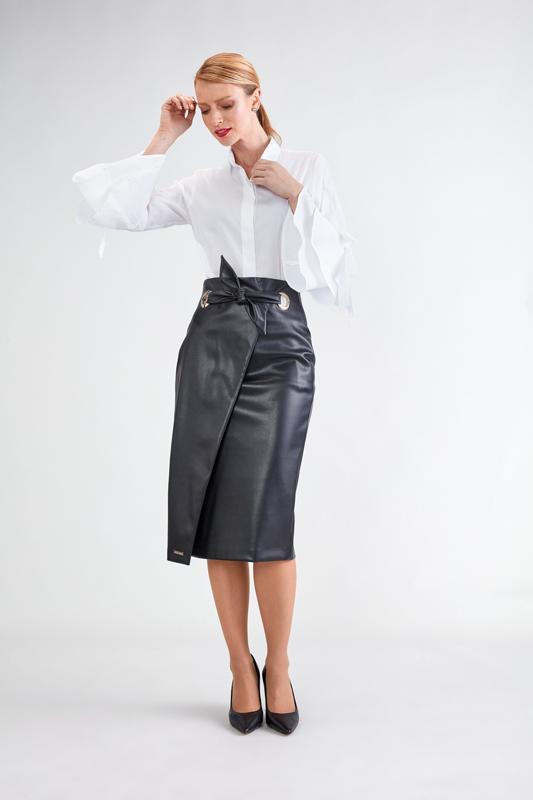Falda Negra con Abertura 4